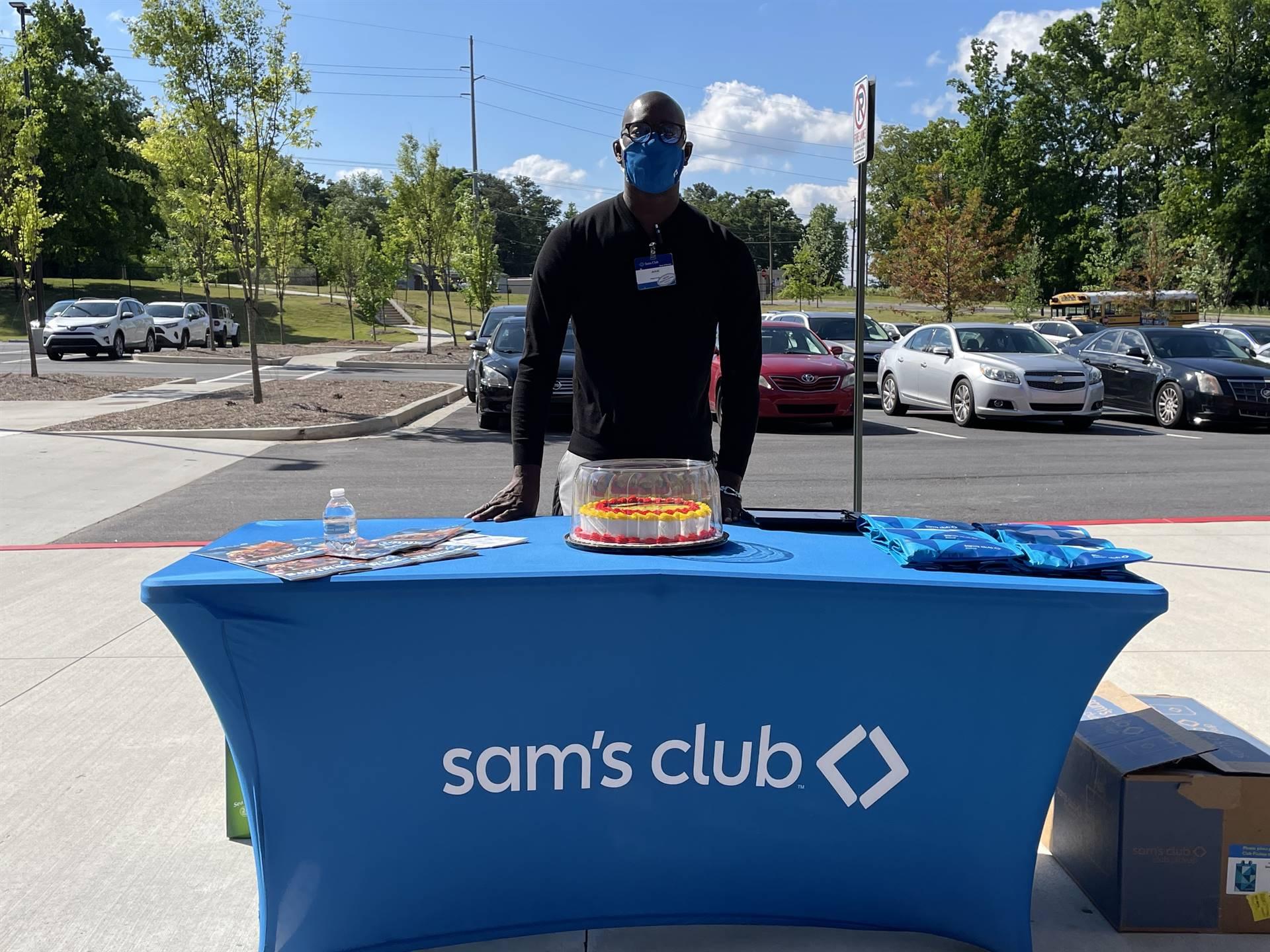 Sam's Club representative